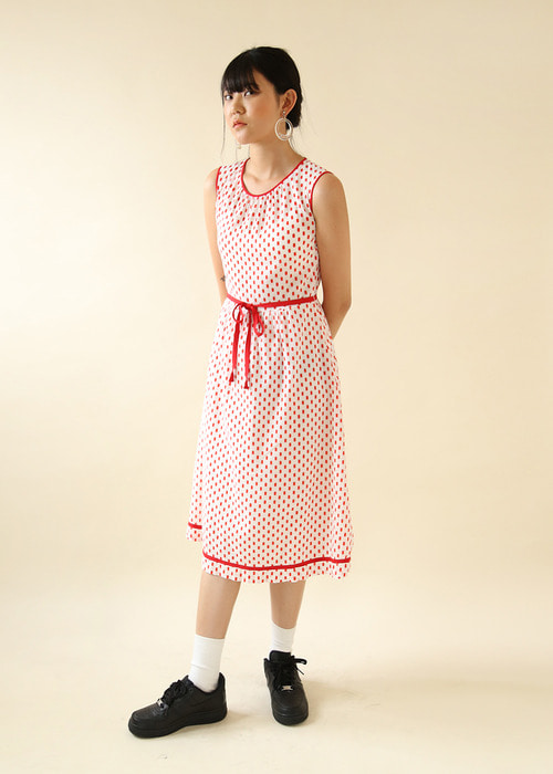 RED POLKA DOTS DRESS