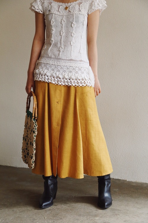 MUSTARD REVERSIBLE BUTTON SKIRT