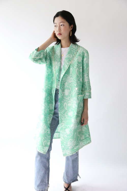 1970'S EMERALD PRINTED ROBE