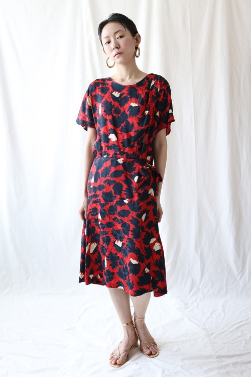 RED FOLIAGE SILK DRESS