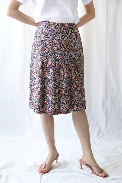 FLORAL PLEATS SKIRT