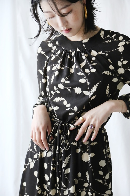DARK BRWON FLORAL DRESS