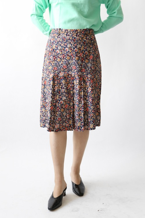 NAVY FLORAL PRINTED SKIRT