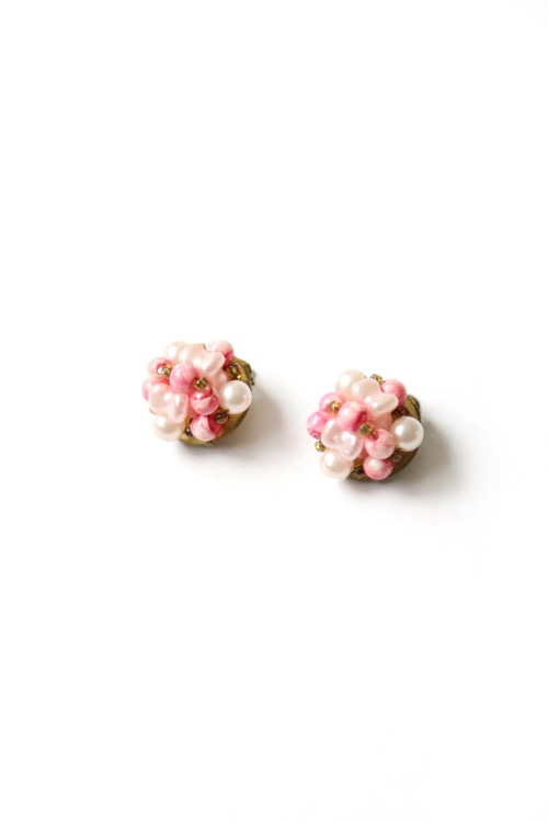 60'S PINK BEADED EARRINGS